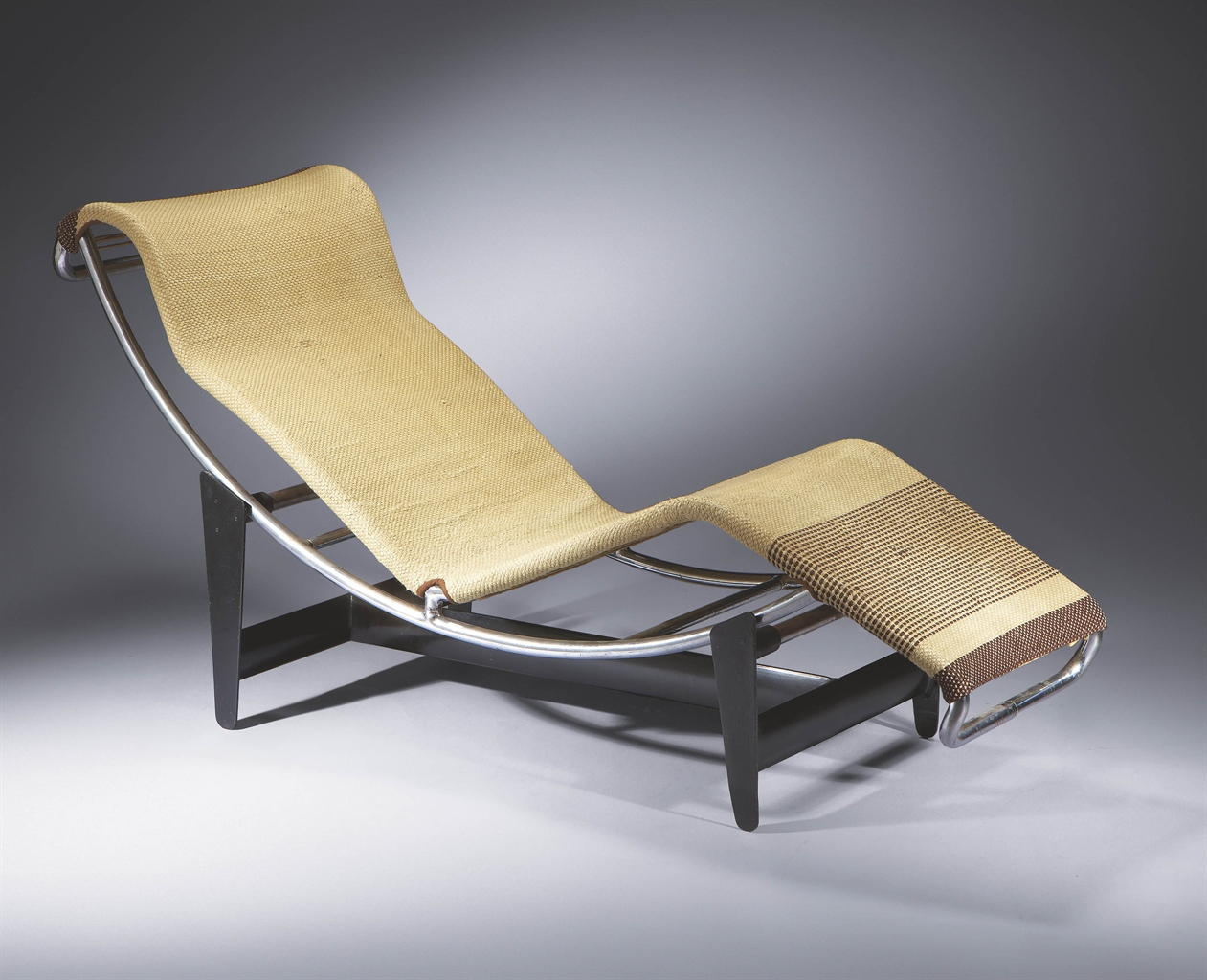 Le corbusier 1887 1965 pierre jeanneret 1896 1967 et for Chaise du corbusier
