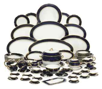 A RUSSIAN PORCELAIN PART DINNER-SERVICE