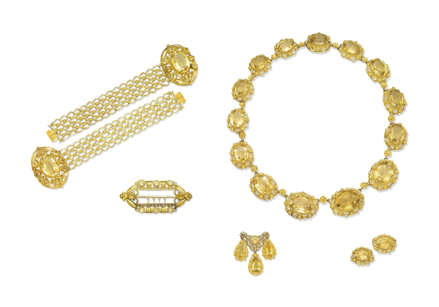 AN ANTIQUE CITRINE AND GOLD PARURE