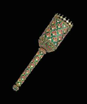 A SUPERB ANTIQUE INDIAN RUBY, DIAMOND AND ENAMEL FLY-WHISK