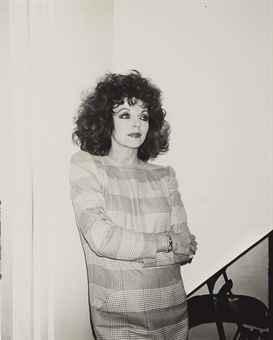 Joan Collins, 1984