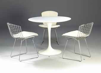 Salle à manger table Knoll en marbre blanc et chaises Eames d'époque