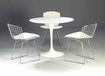 Eero saarinen 1910 1961 pour knoll table de salle for Table pour salle a manger