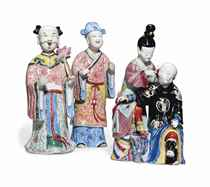 TWO CHINESE FAMILLE ROSE NODDING HEAD FIGURES AND A CHINESE