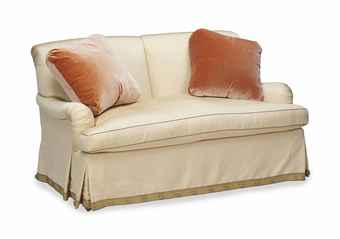 A PAIR OF MODERN TWO-SEAT SOFAS UPHOLSTERED IN BEIGE SILK,
