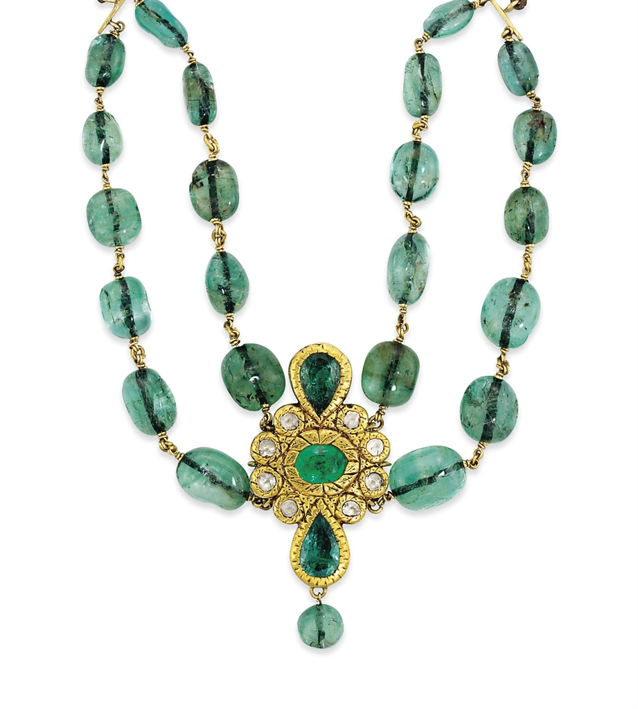 Emerald Bead Beads: AN INDIAN EMERALD BEAD AND DIAMOND NECKLACE