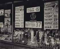 A & P Store Window, vers 1930