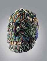 MAGNIFIQUE TETE PERLEE, ATWONZEN  Magnificient beaded head,