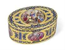 A CONTINENTAL GOLD AND ENAMEL SNUFF BOX