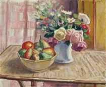 Fleurs dans un vase et fruits