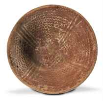 AN EGYPTIAN WHITE CROSS-LINED WARE BOWL