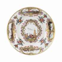 A MEISSEN PLATE FROM THE FREDERIK V OF DENMARK SERVICE