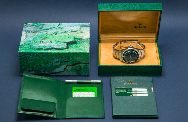 rolex-sea-dweller-4000-box-and-papers-resized