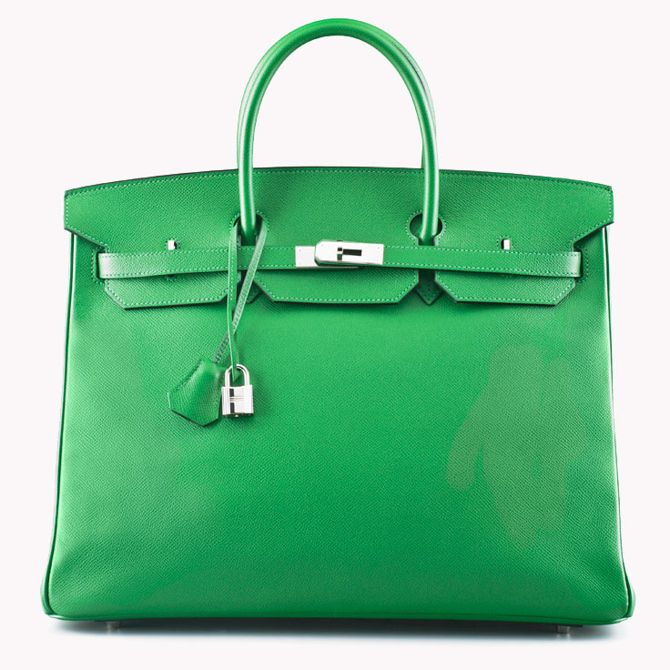 f5490e0039 Summer travel calls for big bags and bright colours