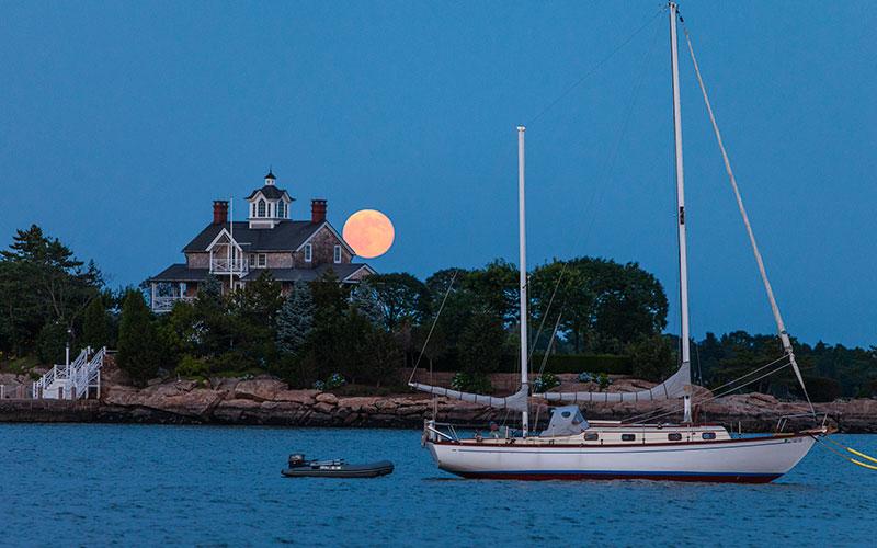 Luxury Living Yacht-friendly properties