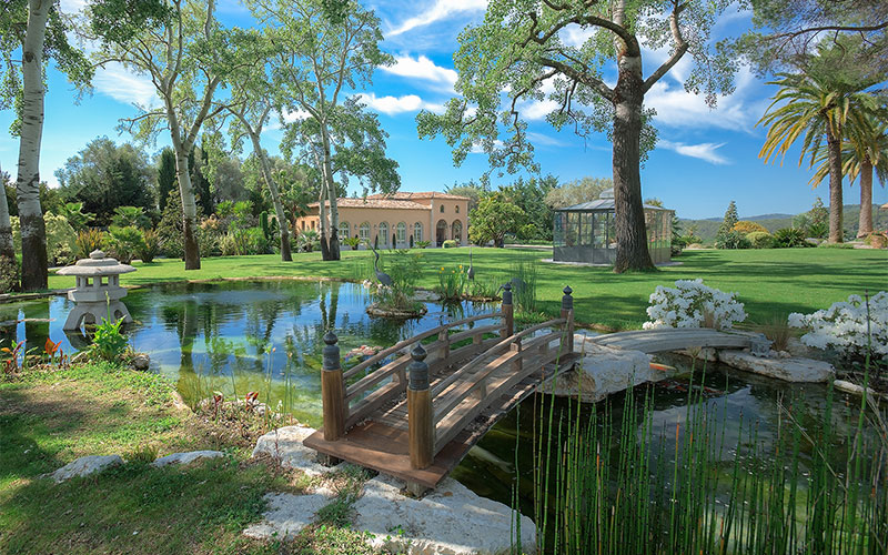 luxury living formal gardens christie 39 s. Black Bedroom Furniture Sets. Home Design Ideas