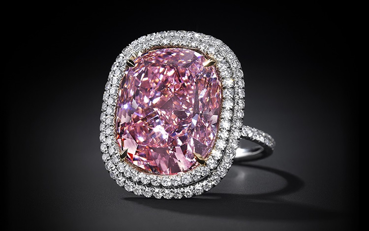 Record-breaking pink diamond s auction at Christies