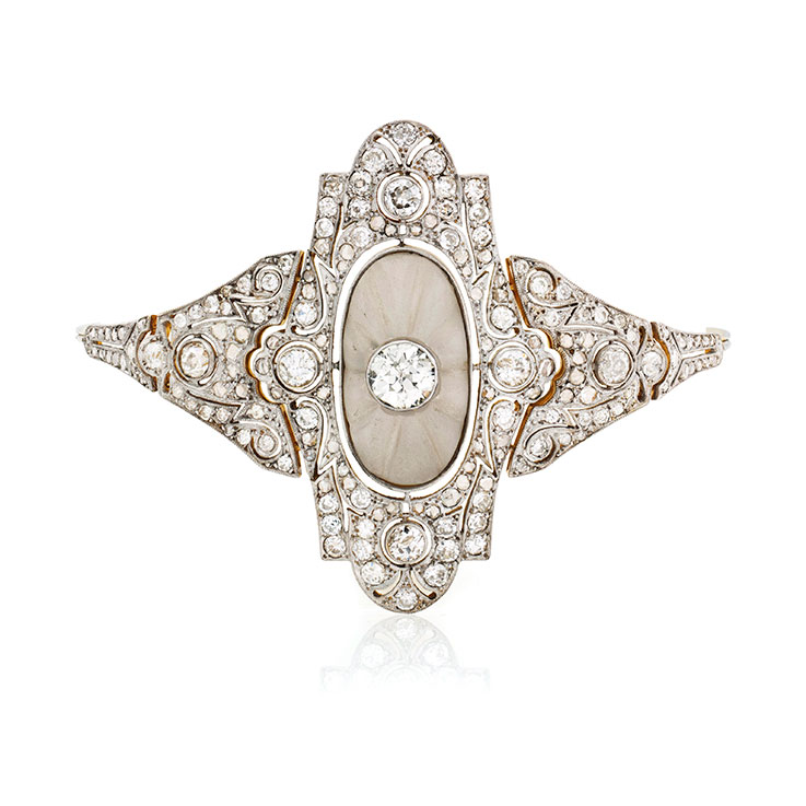 In Jewelry Design As Well Large Gemstones Were Rejected Favor Of Small Brilliant Cut Diamonds Art Deco Forms Weren T Necessarily Simpler
