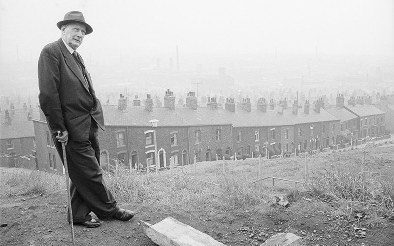 The lighter side of L.S. Lowry