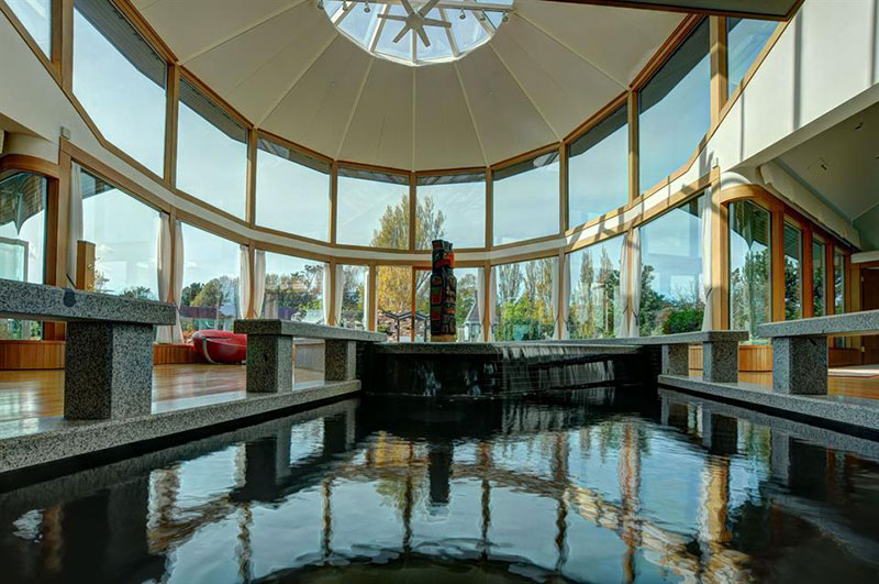 Luxury living glass houses christie 39 s for Luxury glass homes