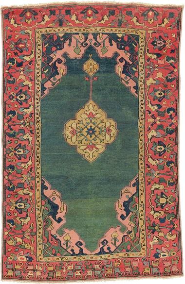 Il tappeto Ushak con medaglione a doppia nicchia Hüelsman a terra verde. Anatolia occidentale, fine del XVI secolo. 4 piedi 11 pollici x 3 piedi 2 pollici (150 cm x 97 cm). Questo pezzo è stato offerto in tappeti e tappeti orientali il 19 aprile 2016 da Christie's a Londra e venduto per £ 72.100