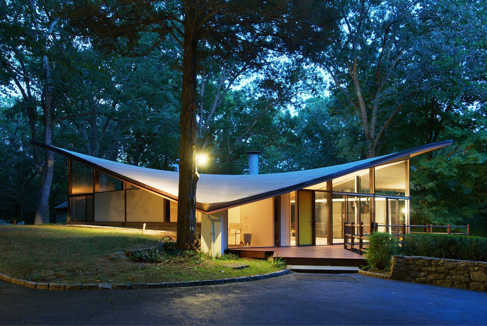Mid century modern architecture modern house for Modern architecture homes