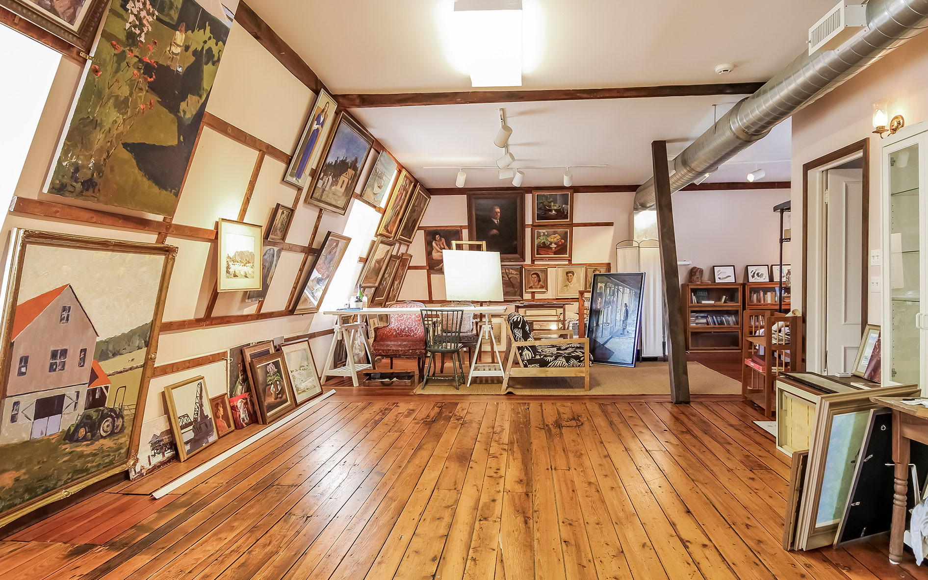 Luxury living Art galleries & artist's studios