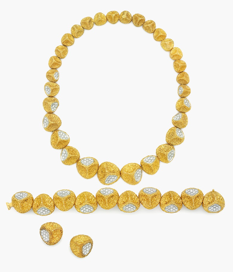 A Suite Of Diamond And Gold Jewellery By Van Cleef Arpels Estimate 35 000
