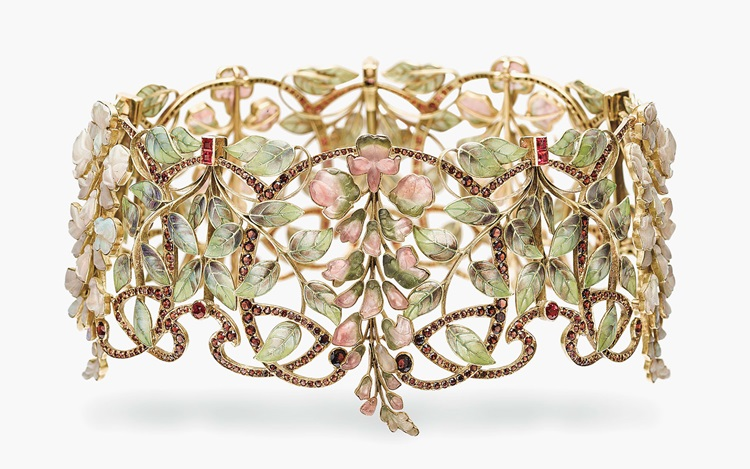 Specialists' Picks: Magnificen auction at Christies