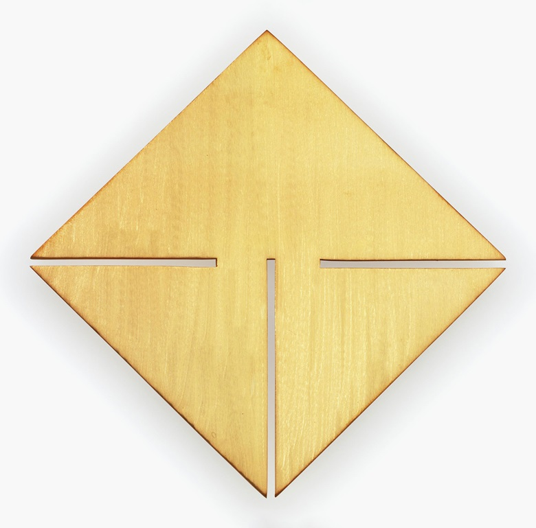 Carmen Herrera (b. 1915) in collaboration with Chus Burés (b. 1956), Encuentros para plata dorada. Gold-plated matte silver broochpendant, 2⅞ x 2⅞ in. (7.3 x 7.3 cm.). Estimate $15,000-20,000. This work is offered in Art as Jewellery, 6-18 May, Online