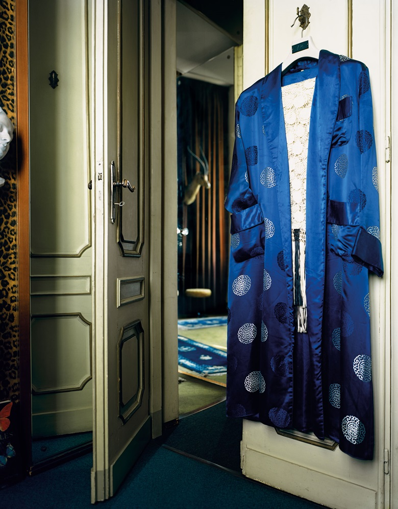 Mollino's dressing gown in the Butterfly room