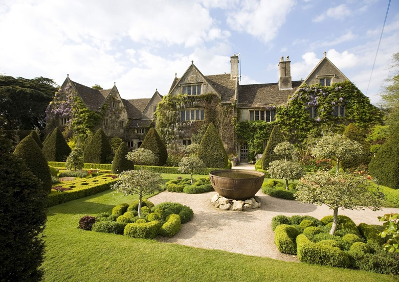 Homes For Sale In Wiltshire Manor
