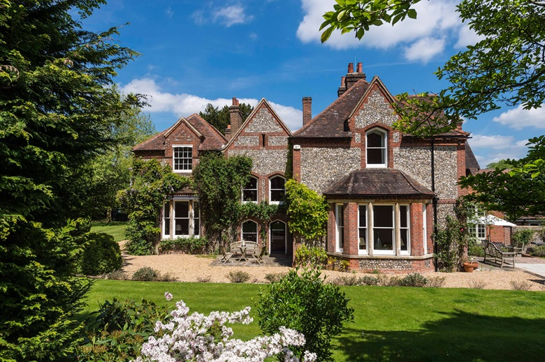 Top 11 Stately Homes in England - Best English Manor ... |British Estates