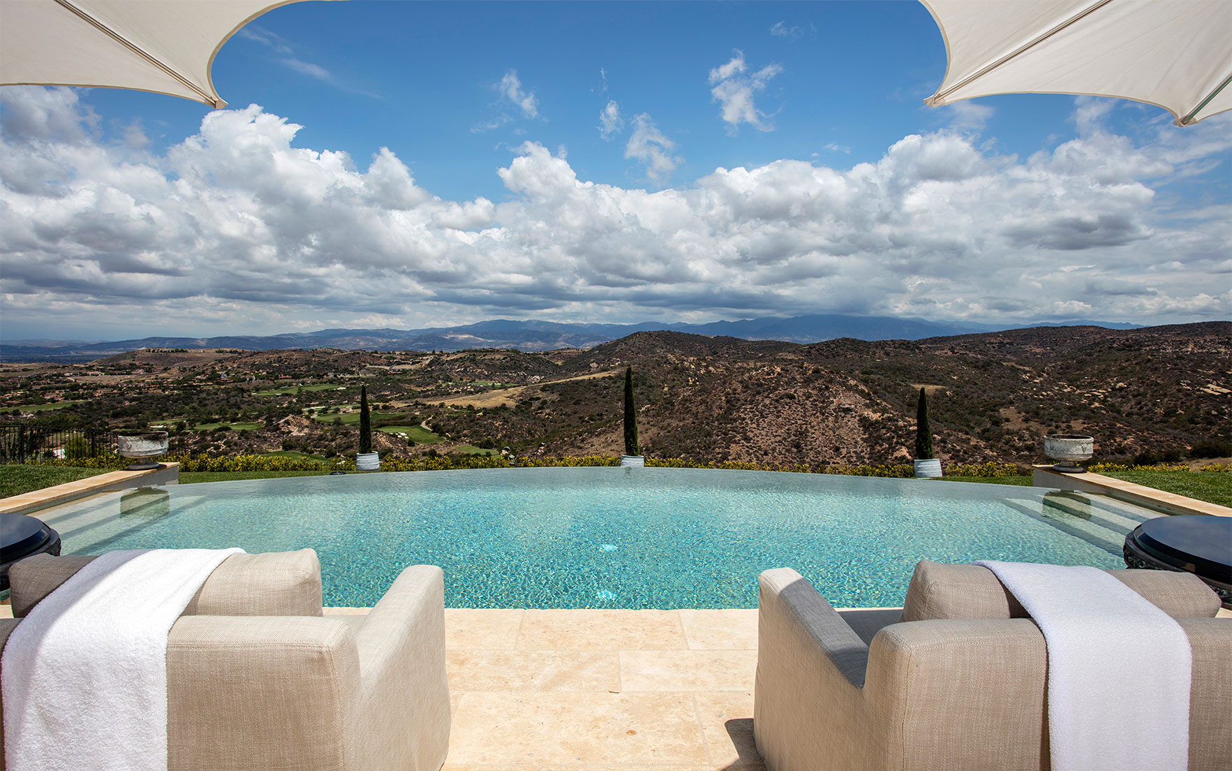 Luxury Living Homes with infinity pools