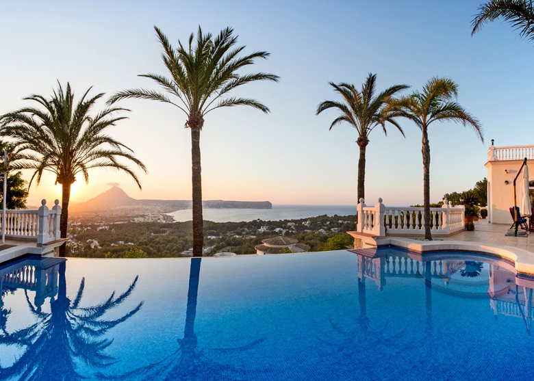 Homes With Infinity Pools Luxury Living Christie S