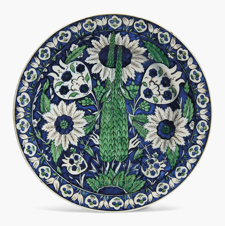 A large İznik-style pottery dish. Ulisse Cantagalli, Florence, Italy, late 19th century. 15¾ in (40 cm) diameter. This lot was offered in Art of the Islamic and Indian Worlds on 20 October 2016 at Christie's in London, King Street and sold for £7,500