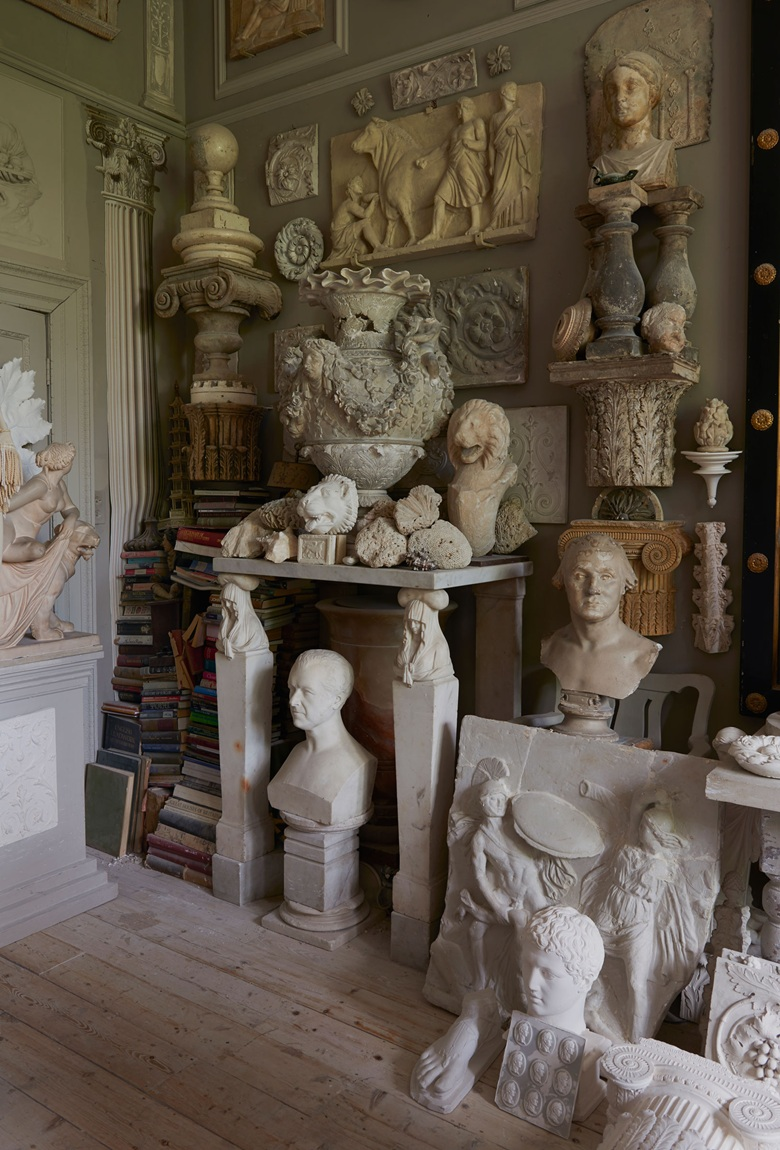 Peter Hones hoard includes busts, urns and architectural fragments