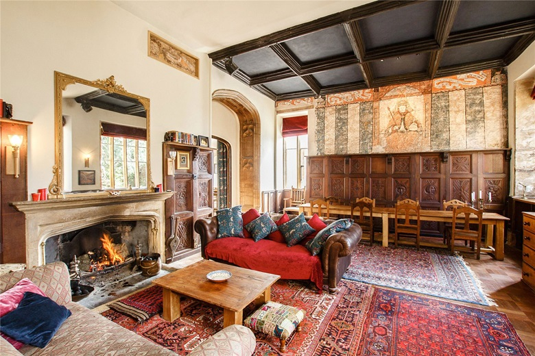 Homes with a legendary history  Luxury Living   Christie     s The Old House  a magnificent Grade II  listed medieval parsonage dating from the     s  made the international news headlines in      when renovators