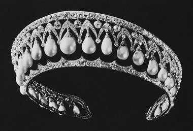 The drop pearl and diamond tiara, from the Russian State Jewels auction. Sold at Christie's London on 16 March 1927