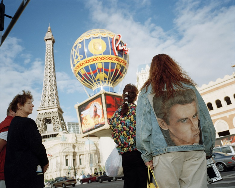 Martin Parr, USA. Las Vegas, 2000. Chromogenic color print, Janet Borden Inc. Exhibitor  JANET BORDEN