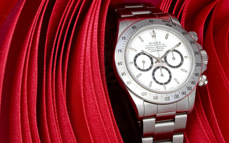 Rolex Daytona, Ref. 16520. Estimate $10,000-15,000. This lot is offered in Christie's Watches Online Time for the Holidays, 23 November–7 December 2016, Online