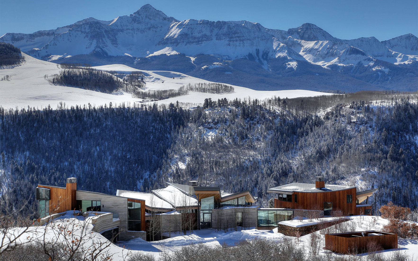 Luxury Living Homes with a ski resort on the doorstep