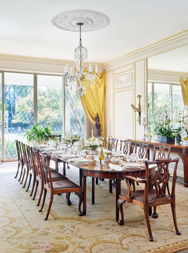 The William Haines-designed dining room in Betsy Bloomingdale's home in Holmby Hills, California