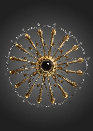 The Empire 32-branch chandelier seen from below. Courtesy Galerie Kugel