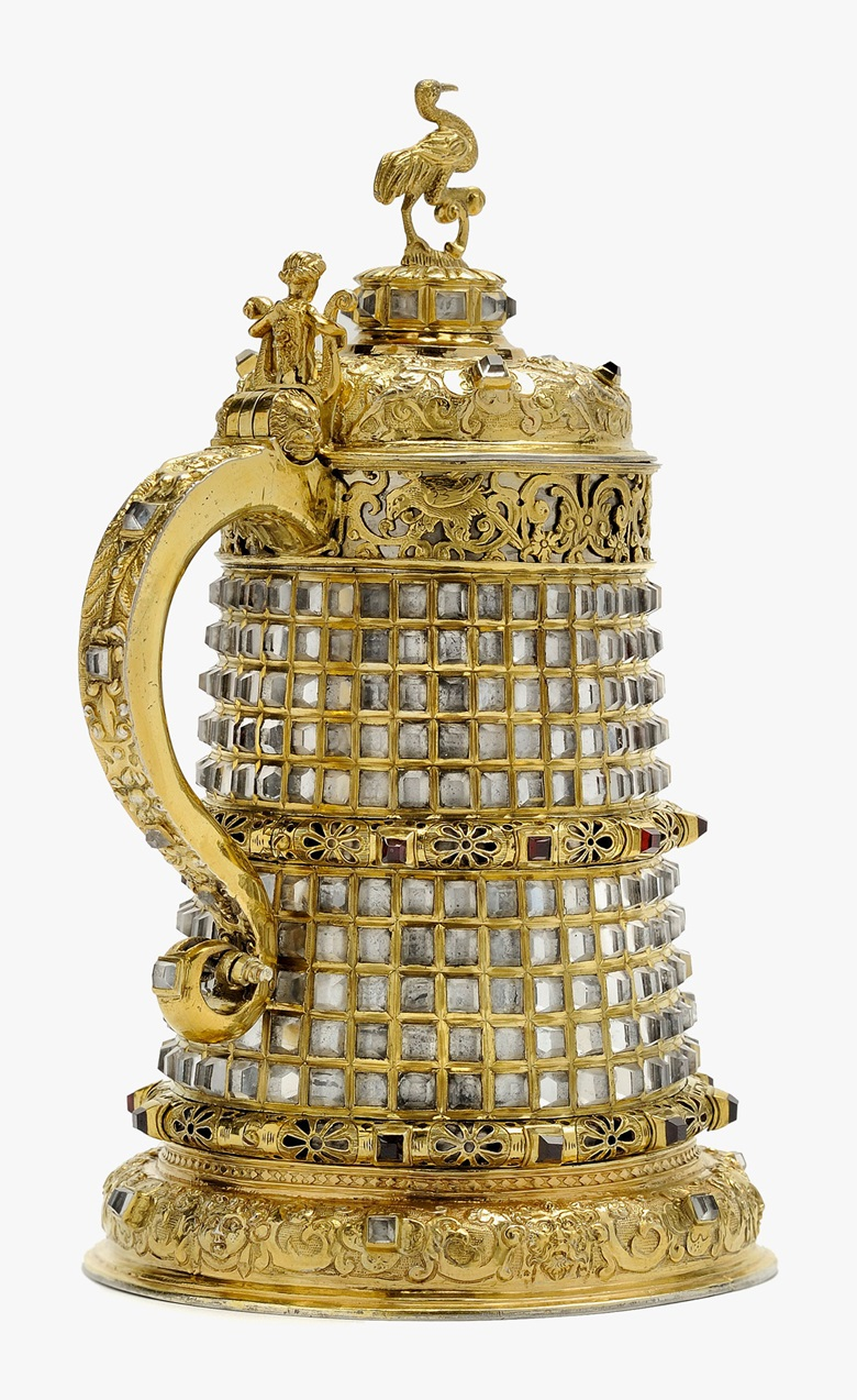 Rock-crystal tankard, Prague court workshop, c. 1585. Rock crystal, fire-gilt silver, garnet. Height 21 cm. Courtesy Kunstkammer Georg Laue