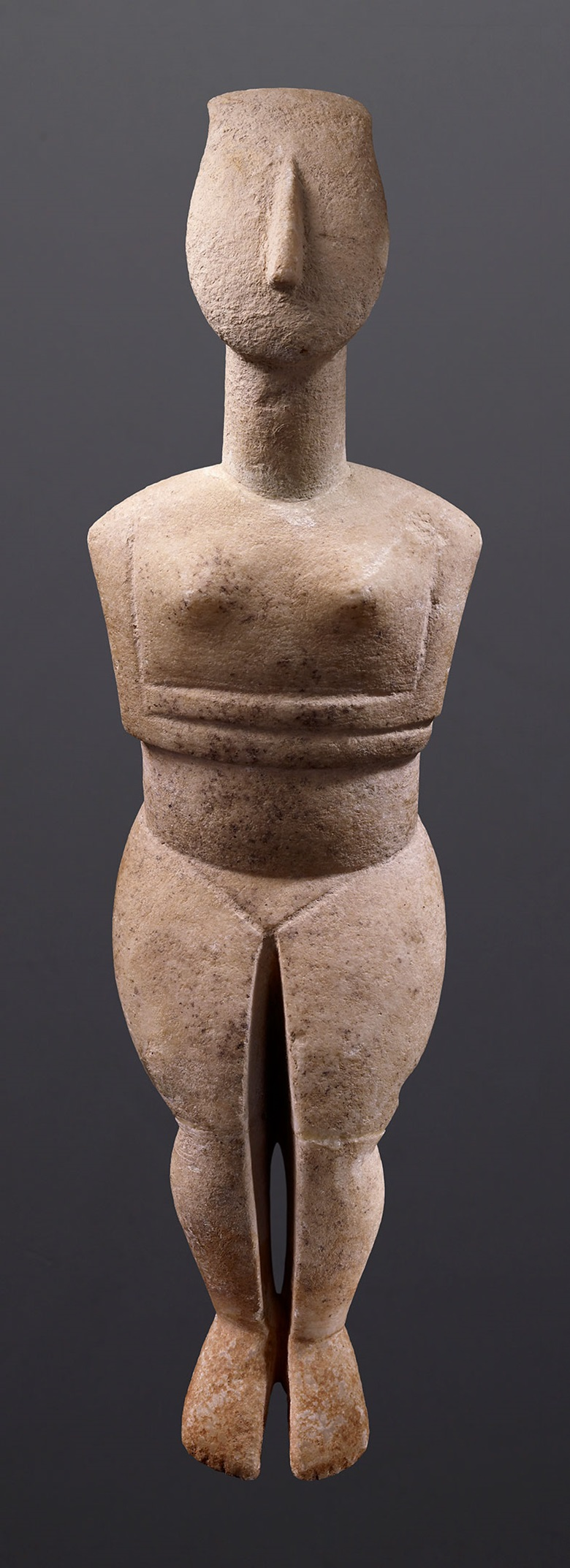 Female figure with folded arms, Greece, Cycladic period, circa 2300-2200 BC. To be displayed at the Musée Ariana, Geneva. Credit Studio Ferrazzini Bouchet–Musée Barbier-Mueller