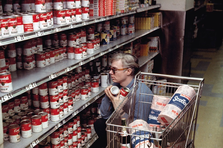 Andy Warhol in a Gristedes Supermarket in New York, 1965. Photo © Bob Adelman