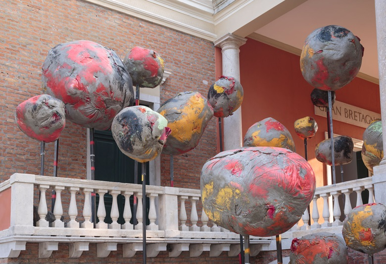Installation view, Phyllida Barlow's British Council commission is at the Biennale Arte 2017 from 13 May to 26 November. Photo by Ruth Clark