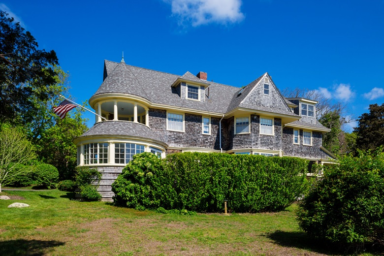 The 4305 Square Foot Three Storey House Is An Eclectic Blend Of Queen Anne Revival And