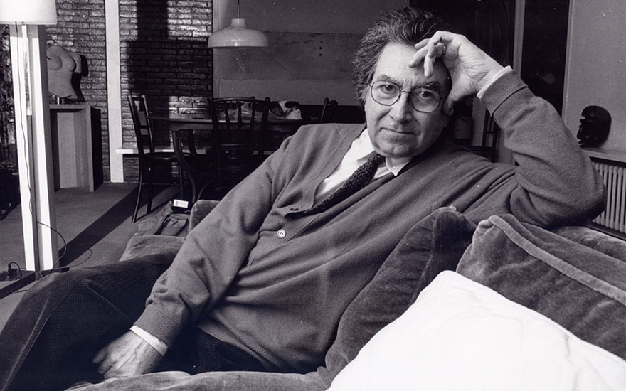 Antoni Tàpies Photographed at home